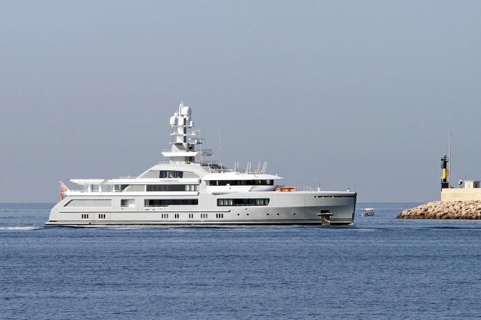 Yacht Cloudbreak Bucht Palma Mallorca