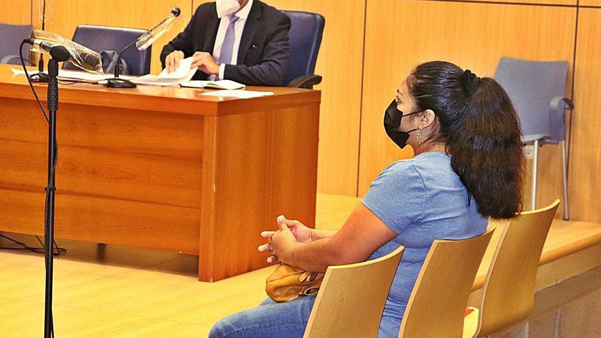 La mujer condenada, de 37 años, durante el juicio contra ella, a principios de julio. | I CABANES