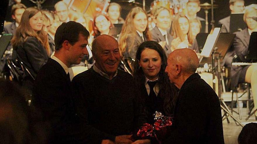 Emoción, solidaridad y despedidas en  el concierto de Santa Cecília de Porreres