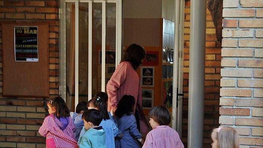 Educación accede a la sustitución de la cubierta del colegio público de As Covas