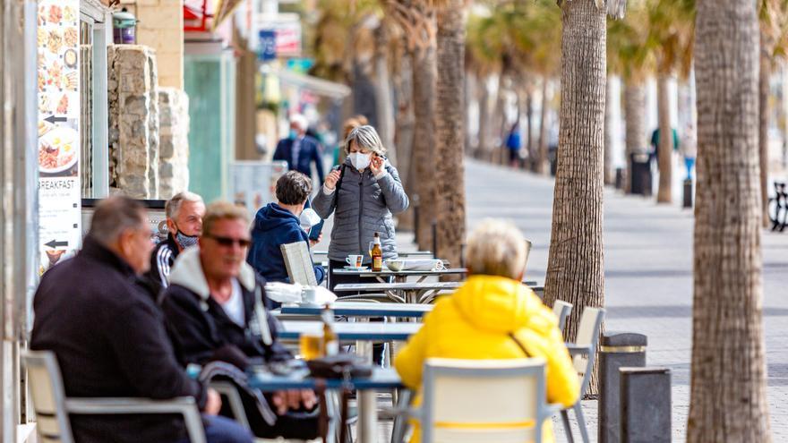 El 50% de negocios de hostelería reabre en Benidorm el primer día de la desescalada