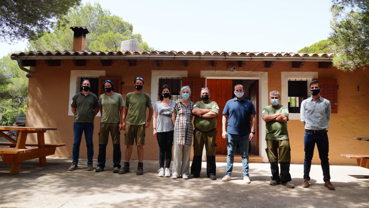 Los responsables de Medio Ambiente han visitado hoy el reformado refugio de la finca pública de Son Real (Santa Margalida).