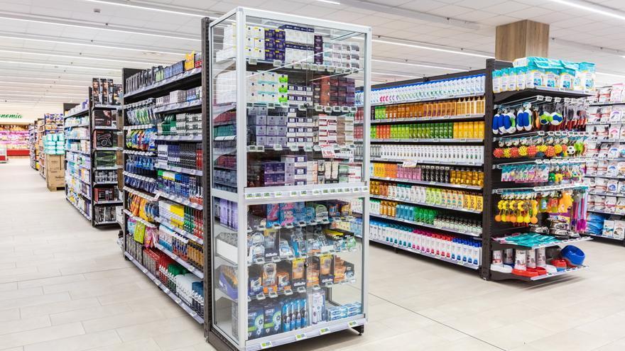 Italia cierra 12 supermercados tras detectar trazas de Covid en cestas, carros y otras superficies