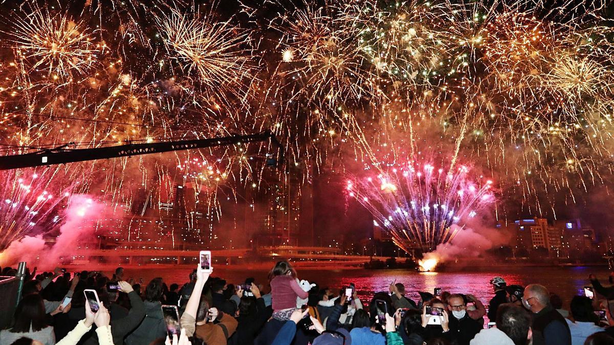La ciudad de Brisbane, la tercera urbe de Australia, celebra la elección como sede de los Juegos Olímpicos de 2032.   EFE/JASON O'BRIEN