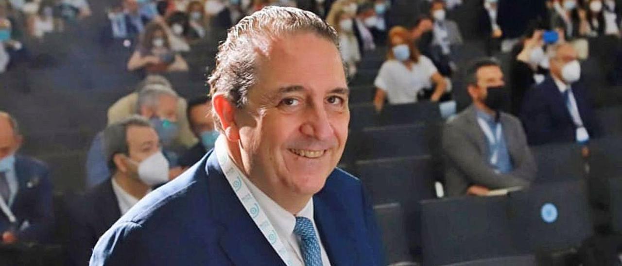 El doctor Fernando Soler durante Faco Elche 2021.   