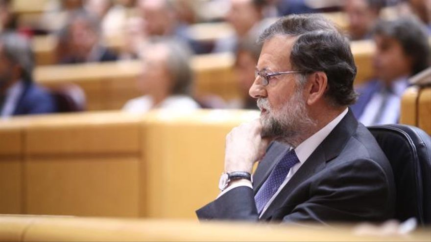 Rajoy rechaza la huelga a la japonesa