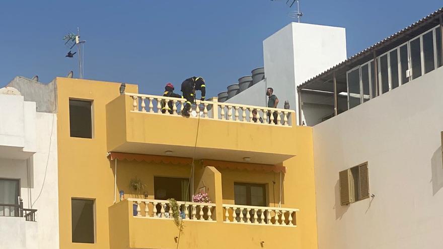 Los bomberos hallan el cadáver de un hombre en una vivienda de Arguineguín