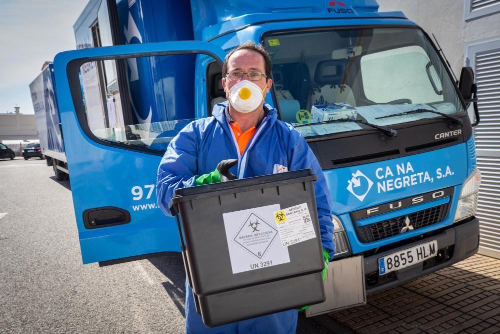 José Luis Custodio, transportista de residuos sanitarios de Ca Na Negreta