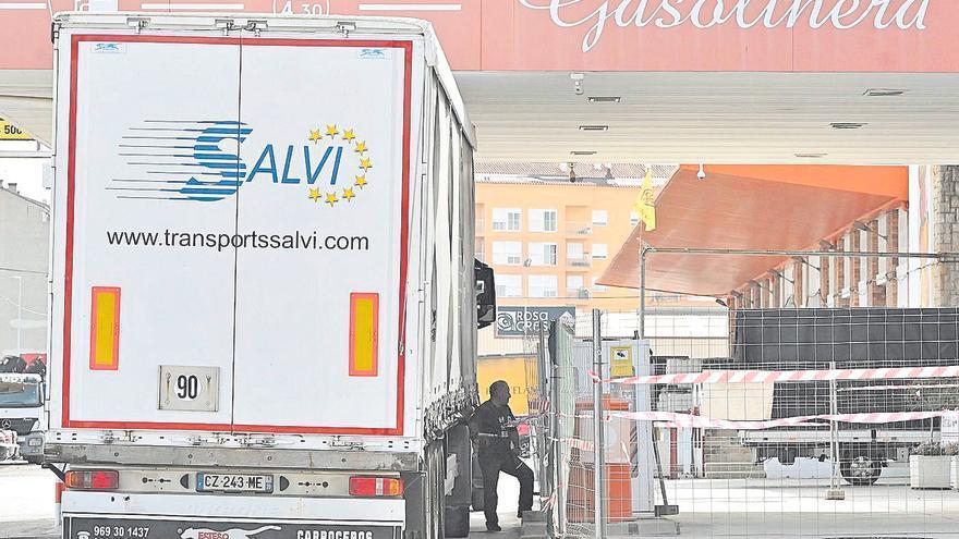 El precio del diésel sigue su escalada y ahoga al millar de empresas del transporte en Castellón