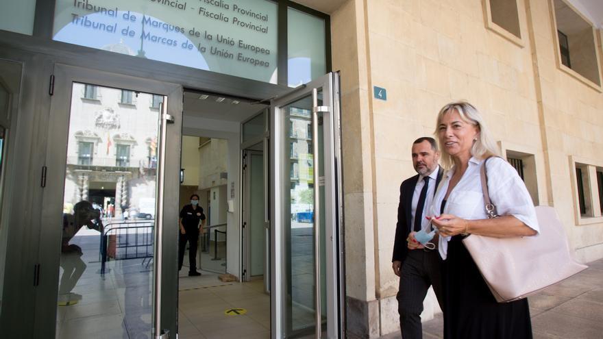 El informe del letrado municipal descarta recurrir la absolución de Castedo