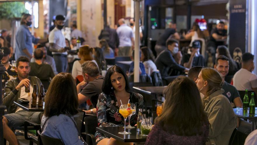 Alicante prorroga hasta el 30 de septiembre la ampliación de veladores
