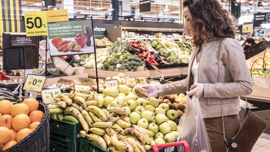 El Govern coordina la promoción de productos locales en grandes supermercados