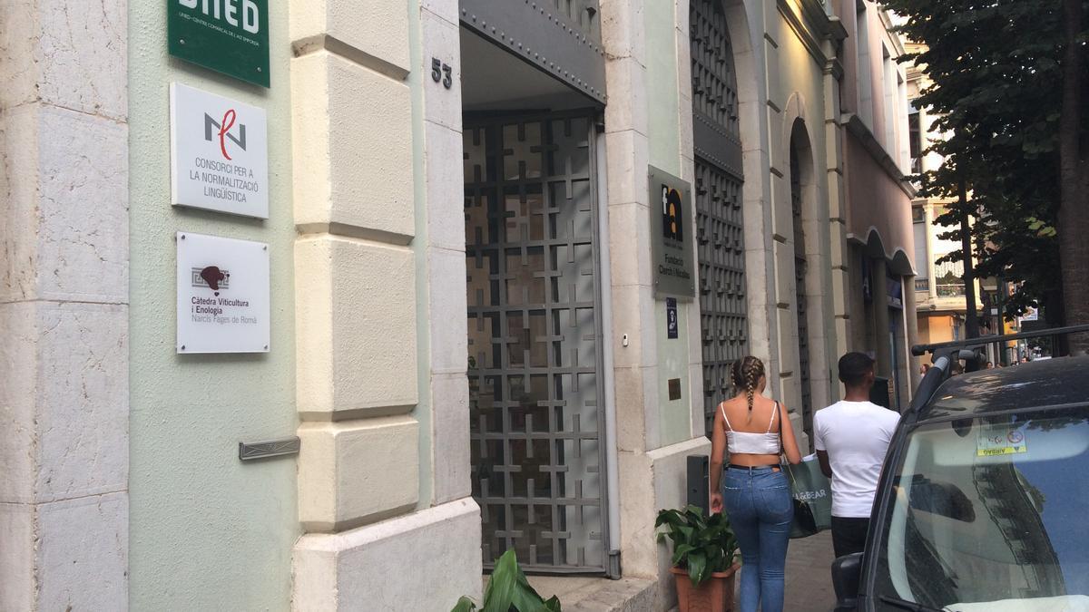 La seu de la LaClerch es troba al carrer Nou, 53, de Figueres