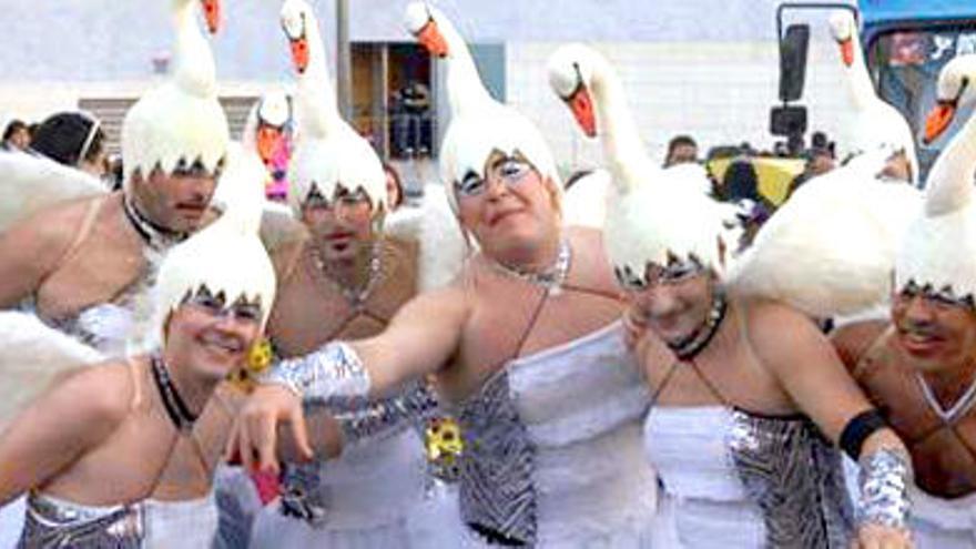 """""""Debemos apostar por el desarrollo de una industria del Carnaval"""""""