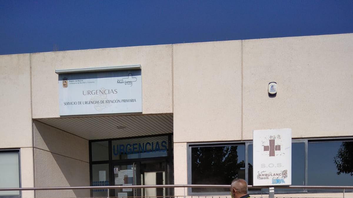 Fachada de un centro de salud de la localidad.