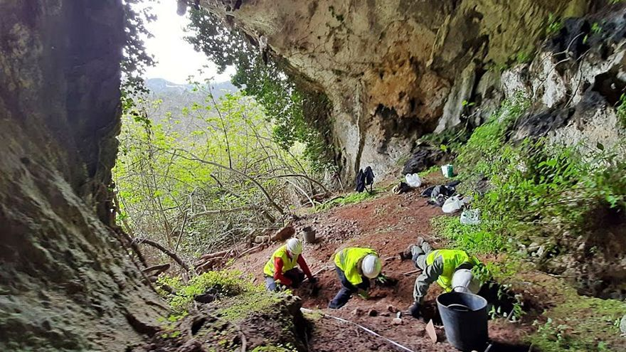 La cueva del tesoro de Berció, en Grado, será excavada tras el hallazgo de monedas