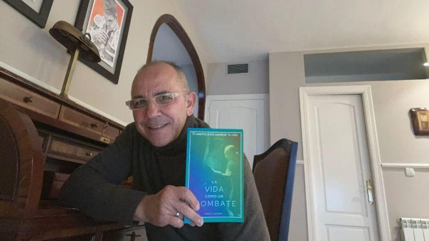 José Ángel Casado relata su vida en un libro