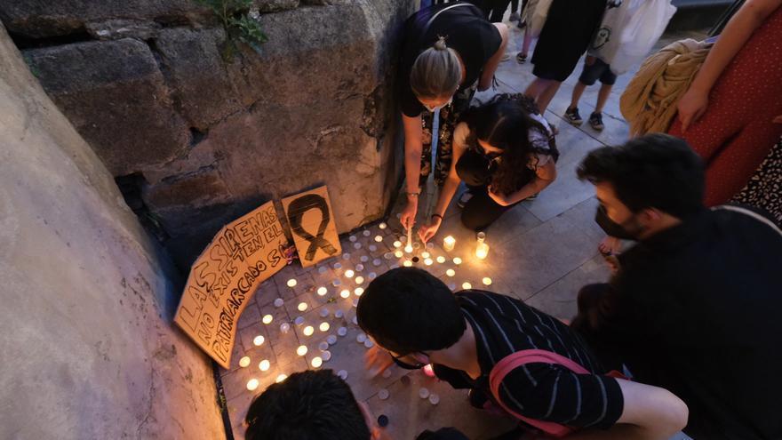 Así fue la concentración contra la violencia machista en Badajoz