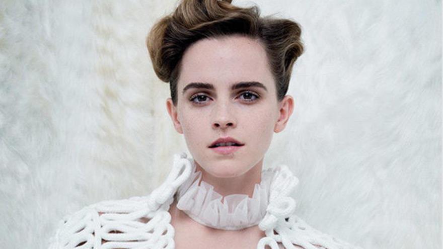 Emma Watson responde a las críticas por su posado en topless