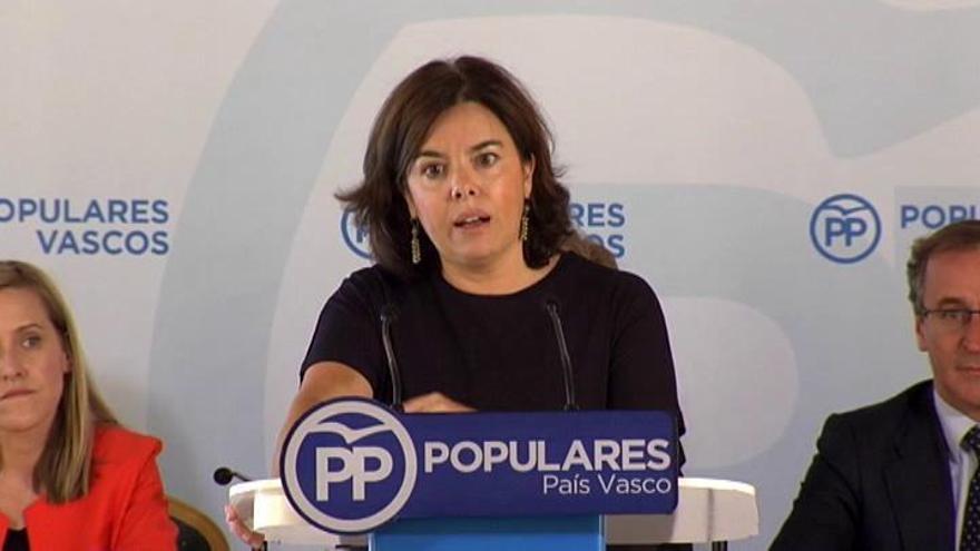 """Sáenz de Santamaría dice que el País Vasco """"contribuye a la estabilidad de España"""""""
