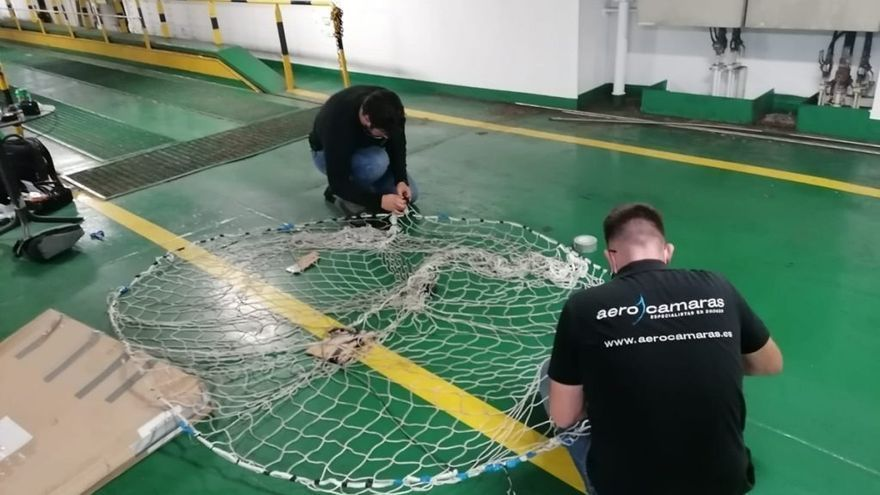 Así prepara la firma gallega de drones el rescate de los perros rodeados de lava en La Palma