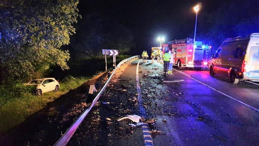 Un muerto y un herido grave tras un choque frontal en Ourense