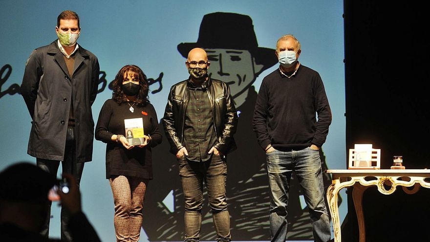 A Estrada anuncia a creación dun premio de álbum ilustrado ao entregar o García Barros