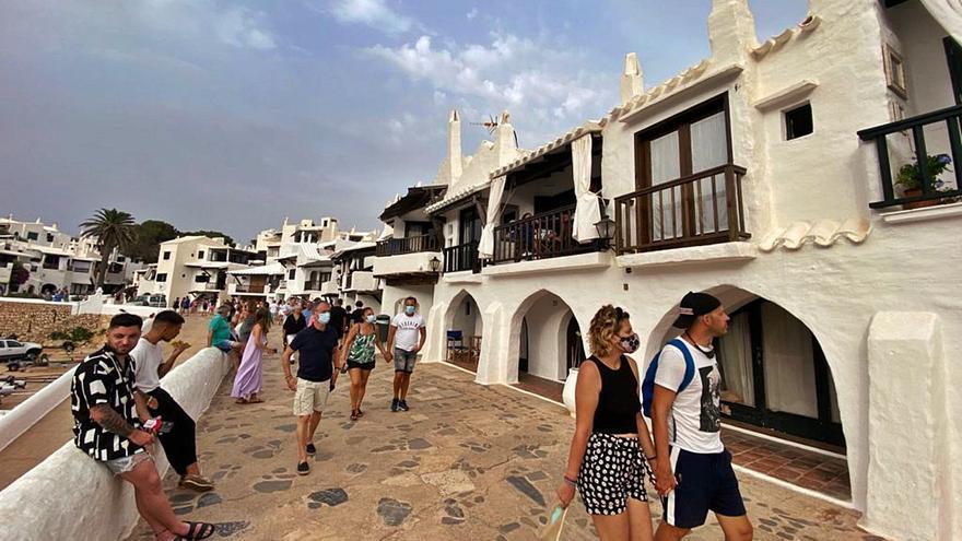 'Boom' del turismo interislas: éxodo mallorquín récord en julio hacia Menorca e Ibiza