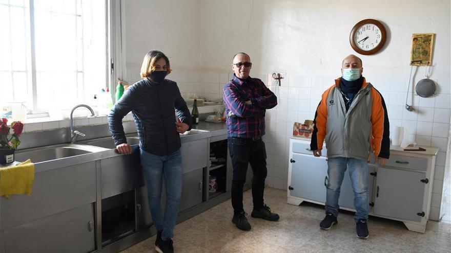 Personas sin hogar y artistas recuperan un monasterio abandonado en Madrid