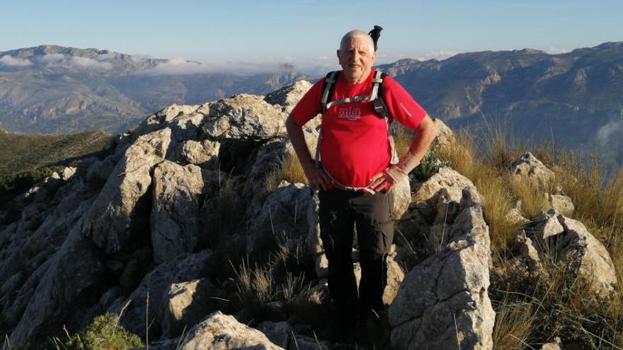 Montesinos: «El senderismo ilicitano tiene la ventaja de no tener montañas»