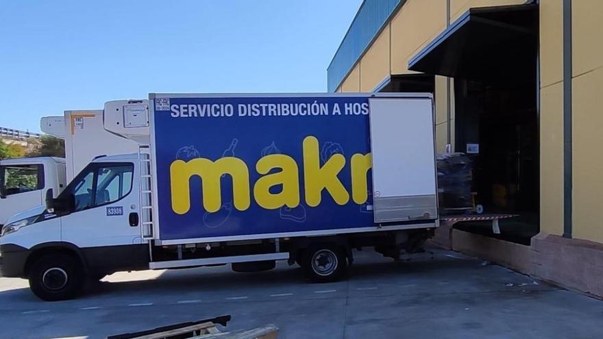 Makro dona más de 3.000 kilos de productos al Banco de Alimentos