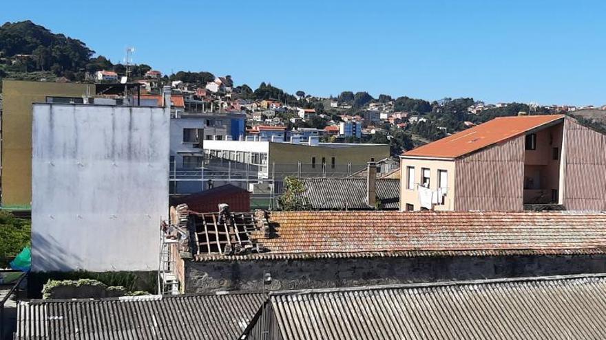 Comienza el desmontaje de la cubierta de nueva sala Urbano Lugrís en el Museo Massó