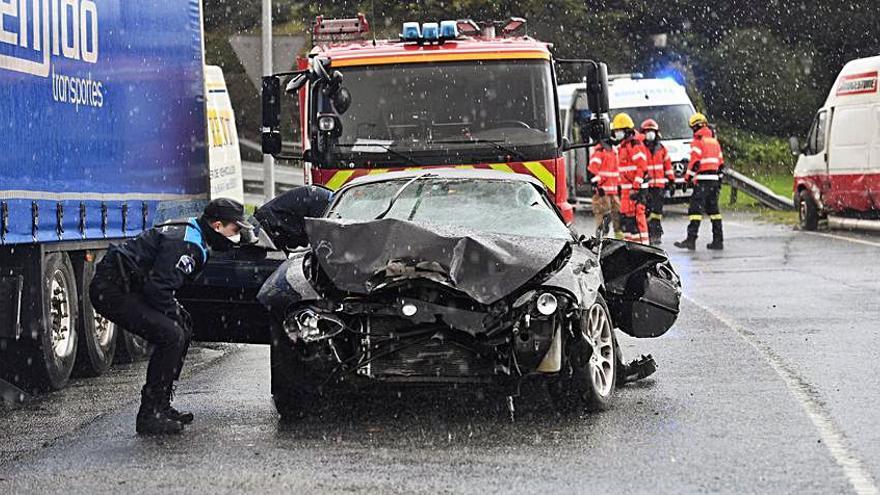 Un herido leve en la colisión de una furgoneta y un turismo en una incorporación a Alfonso Molina