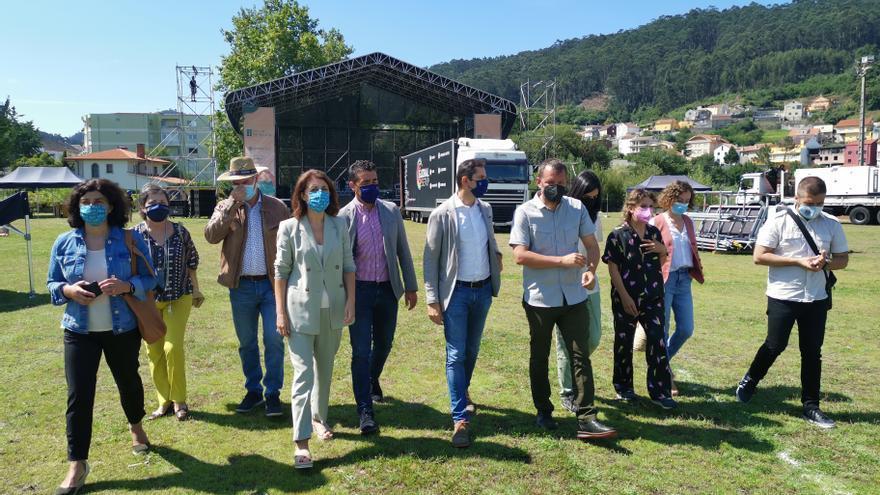 La conselleira de Medio Ambiente, Ángeles Vázquez, destaca la sostenibilidad del SonRías al incluir contenedores de separación de residuos