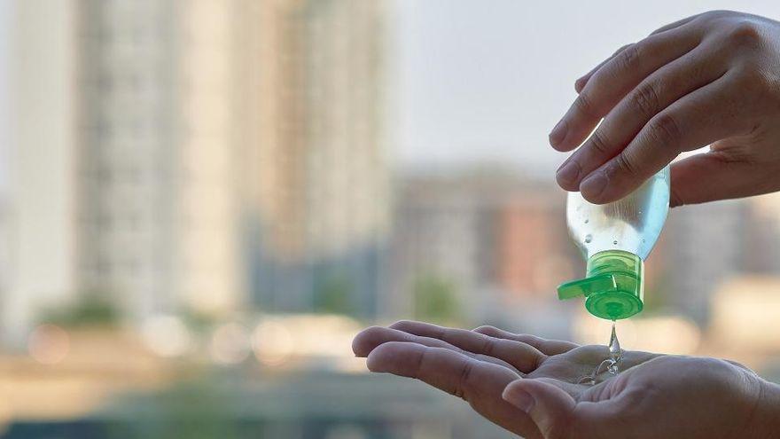 Geles hidroalcohólicos: Cómo usarlos para evitar problemas en la piel