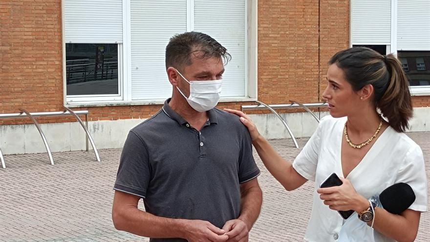 """El padre del joven agredido en Amorebieta afirma que su estado es """"muy grave"""", pero los médicos son optimistas"""