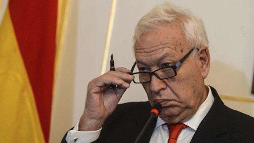Margallo llega a Irak para visitar al contingente español