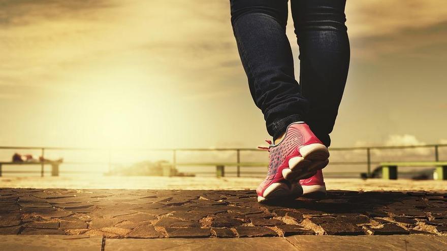 Cuántos pasos tienes que dar al día para perder peso
