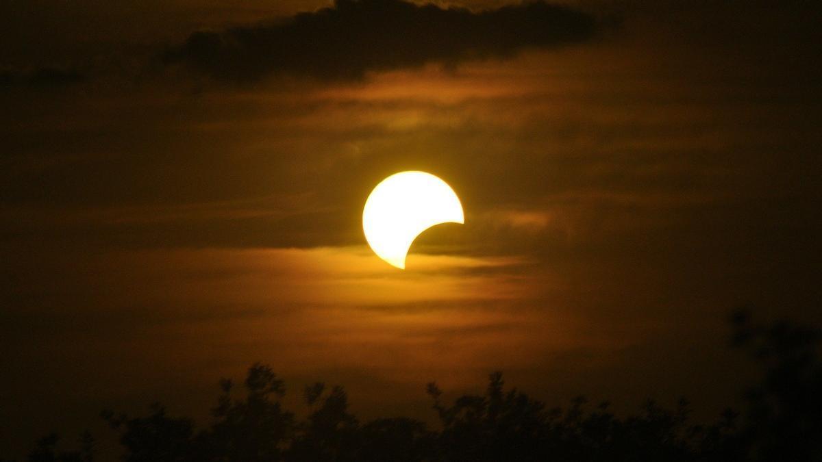 Imatge d'arxiu d'un eclipsi parcial de sol