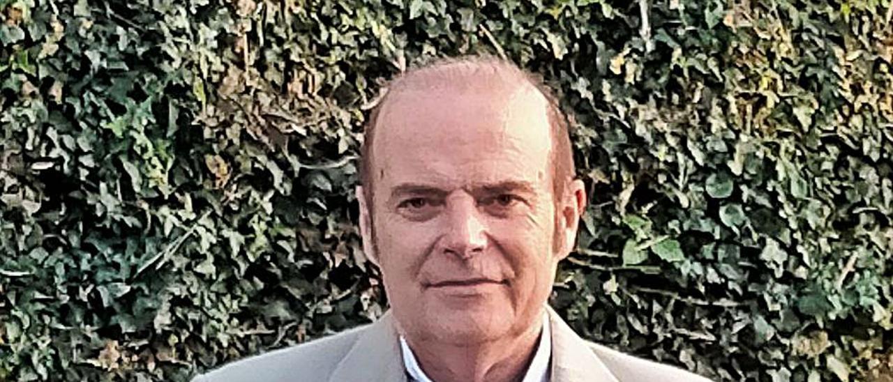 Javier García.   D. Á.