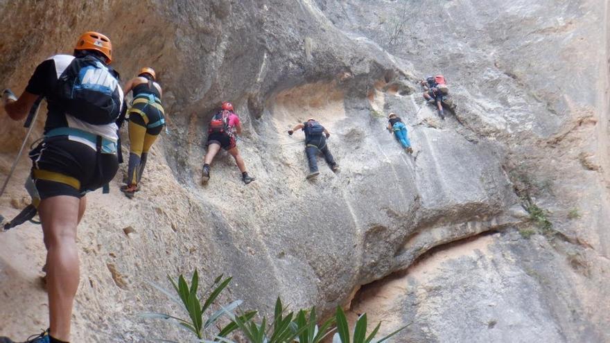 Barranquismo: Un subidón de adrenalina en el Salto del Ciervo