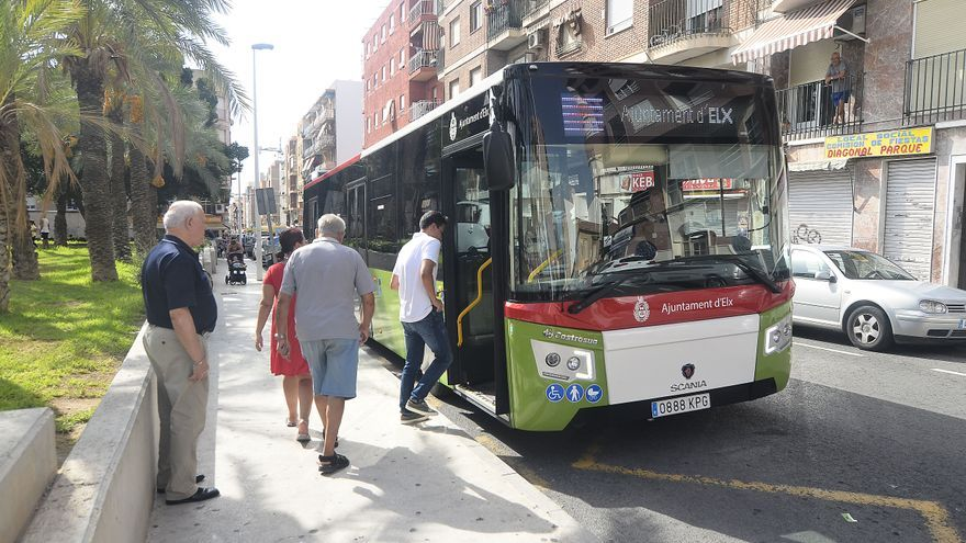 Elche amplía la red de carriles exclusivos para el autobús