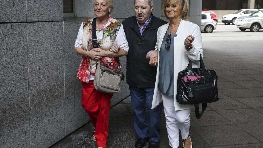Los forenses estiman que José Ángel Fernández Villa sufre una enfermedad que limita su autonomía