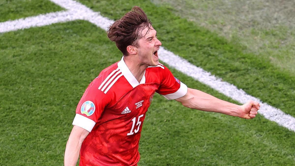 El jugador Aleksey Miranchuk celebrando el gol de Rusia.