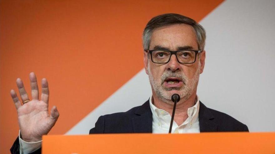 """Ciudadanos pide la Junta de Andalucía a PP y PSOE porque si no se dará """"la llave"""" a Vox"""