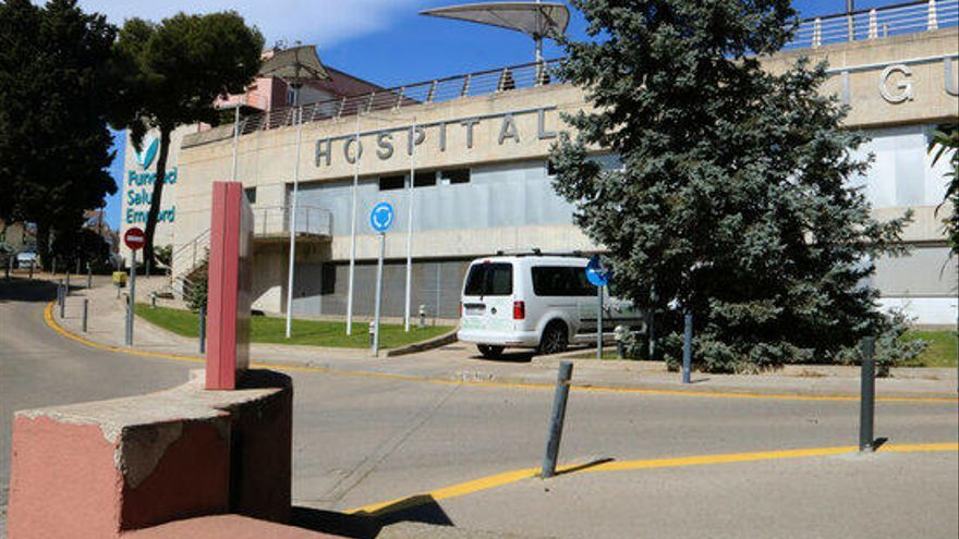 Investiguen l'agressió a un home a qui van abandonar malferit davant l'hospital