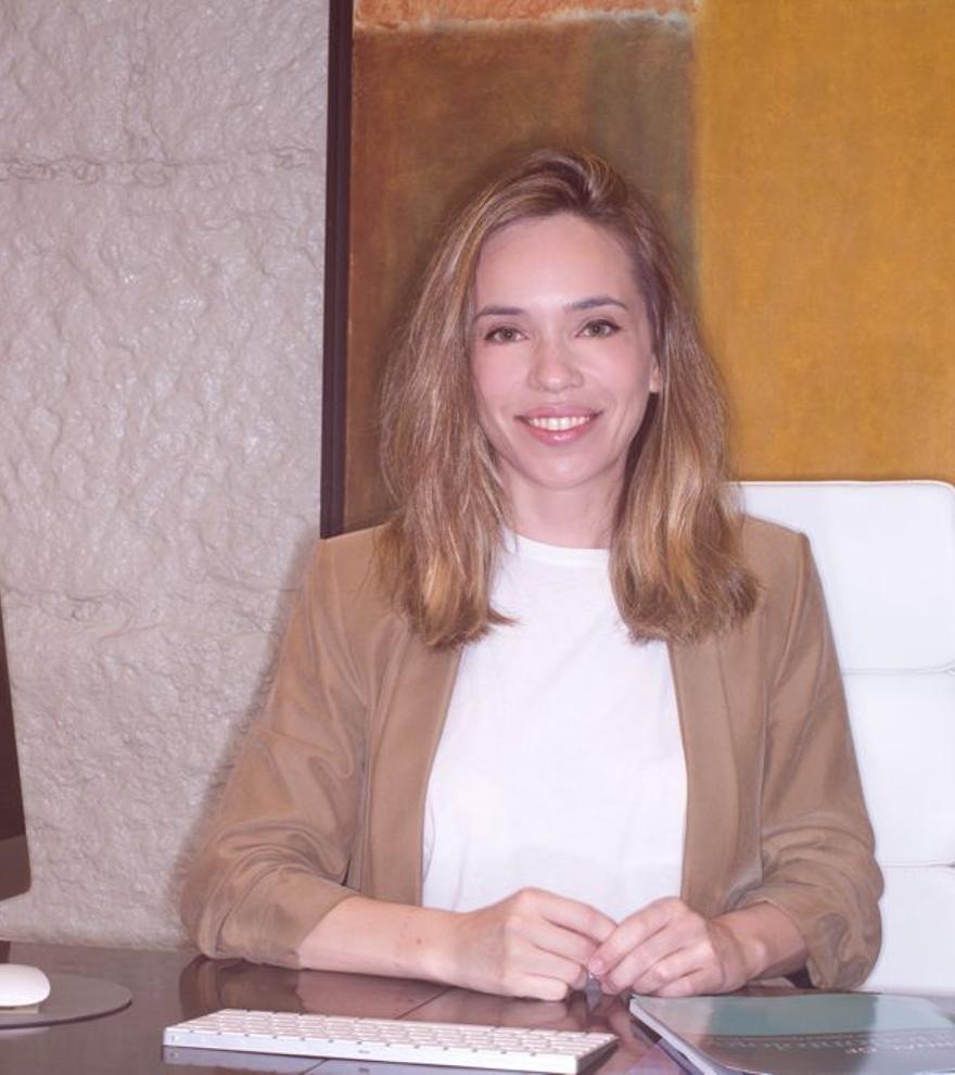 """Doctora Elena López Alvar: """"El cuidado de la salud bucodental puede ser vital"""""""