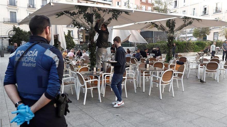 Madrid retrasa el toque de queda de las 22 a las 23 horas desde el jueves