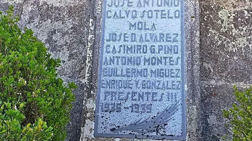 Nace una plataforma para erradicar los vestigios del franquismo en Salvaterra