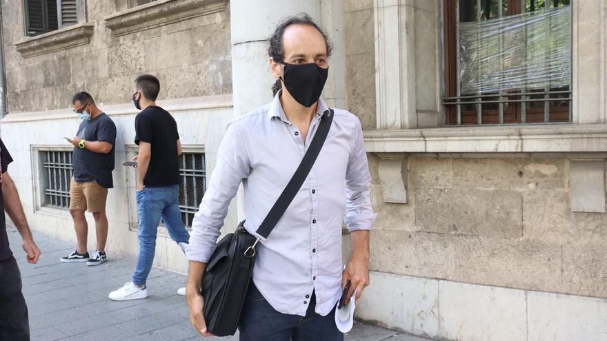 Aplazado el juicio a Joan Segura por desobediencia y resistencia durante el desahucio de Oscar Kacper